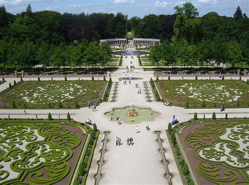 Versailles%204