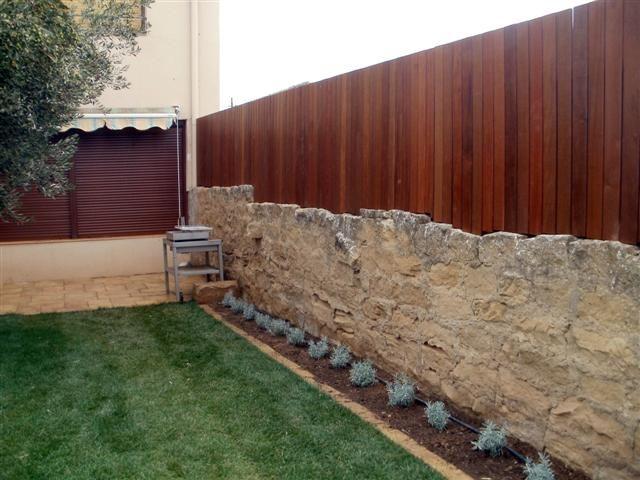 Cerramiento de jard n en madera blog garden center ejea for Cerramientos para jardines