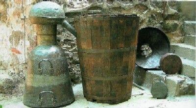 rose_distillery_last_quarter_19C_md