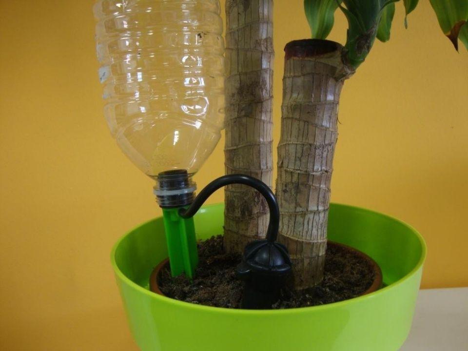 riego casero para mantener macetas humedecidas