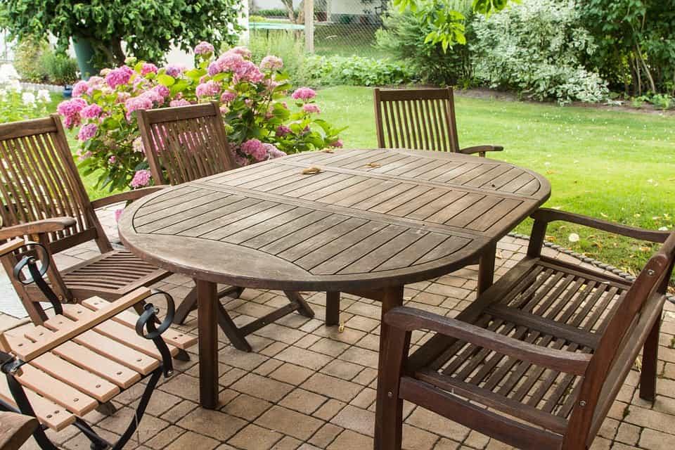 Mesa-sillas-mobiliario